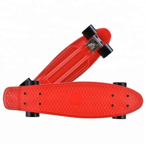 Newest Sale Professional Design Four Wheels Stable Funny Nice Plastic Griptape Skateboard