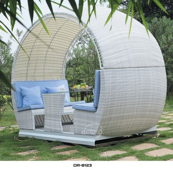 High Quality Four Seats Rattan Patio Swing With Canopy Garden Rattan Swing  Chair