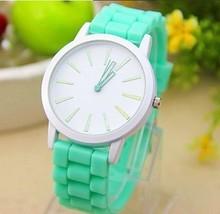 Dámské silikonové hodinky Geneva v zářivých barvách z Aliexpress