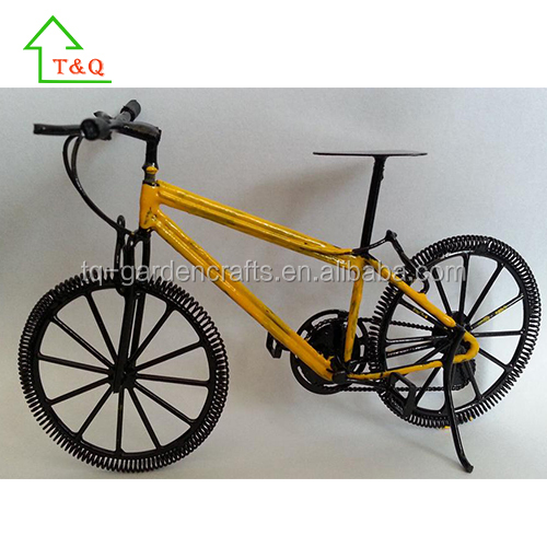 Miniature Yellow Die Cast Road Bicycle 1/10 Scale