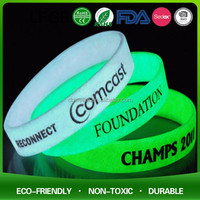 glow silicon wrist band / glowing silicone rubber bands/bright in dard silicone wristband