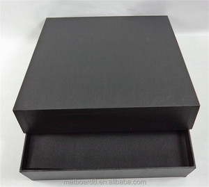 Delicate wedding photo album with wedding album box