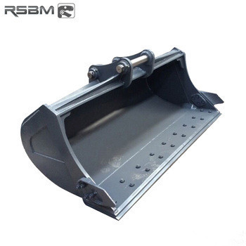 RSBM mud cleaning up excavator bucket with 2 cutting edges