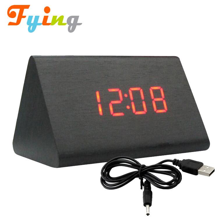 c97fcf1784 USB Numérique Rétro Alarme Horloge En Bois Led Table De Bureau Décor À La  Maison Mini