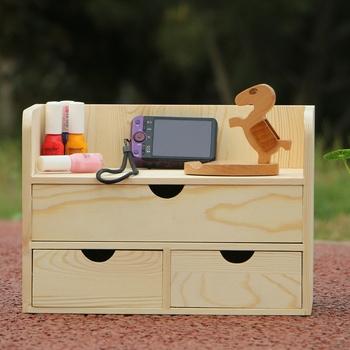 Косметика в ящике стола