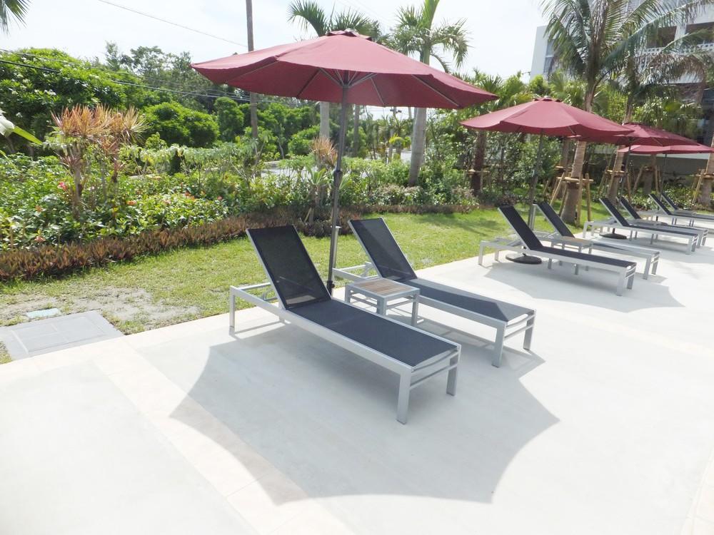 Low Price Rattan Wicker Swimming Pool Sun Lounger For Hotel Outdoor Lounge Furniture Buy Sun