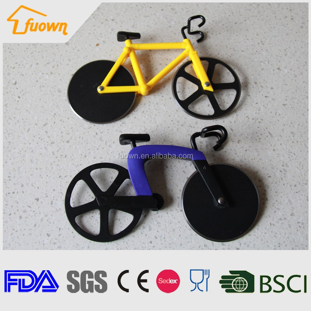 New Hot Customized Smart Design Plastic bicycle pizza cutter