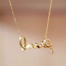 2016 New Korean Fashion Temperament All-match Short Necklace Love Imitation Diamond Necklace Chain Letter Personality Clavicle F