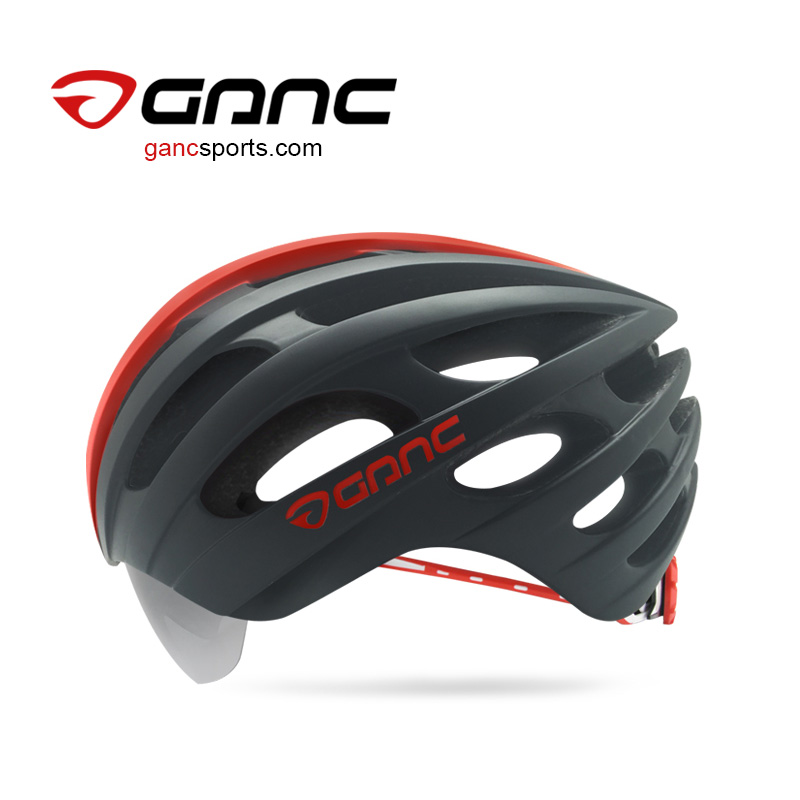 Smart helmet with sliding inner visor