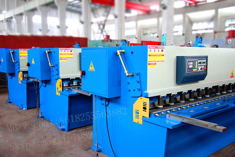 QC12K shearing machine.jpg