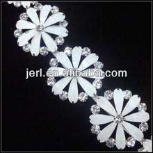 fahion round rhinestone chain for ladies' clothes with resin stone