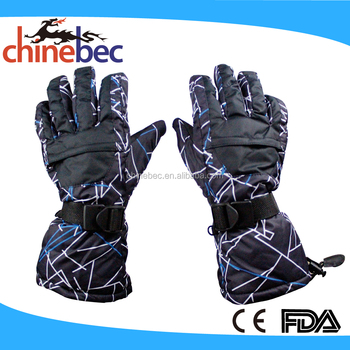 Practical and safe outdoor sports gloves