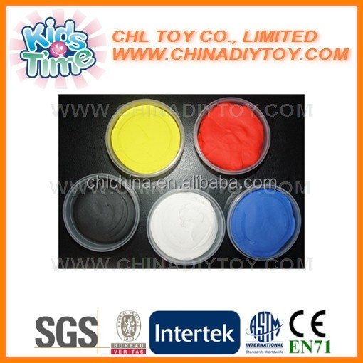 Colorful bounce putty with molds