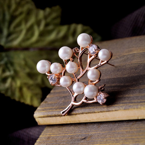 Women Simulated Pearls Brooch New Arrival Plated Silver Rose Gold Branch Breastpin