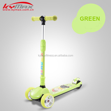Kid's 3 wheeled foldable kick scooter