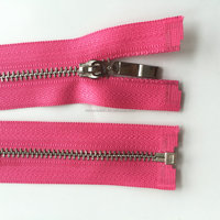 Chinese suppliers waterproof zipper and child proof tizip zipper for clothing use