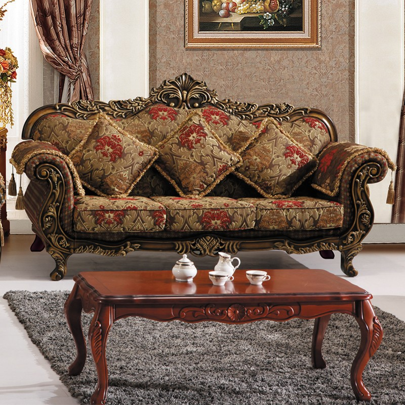 Traditional style sofa thesofa for Traditional couches
