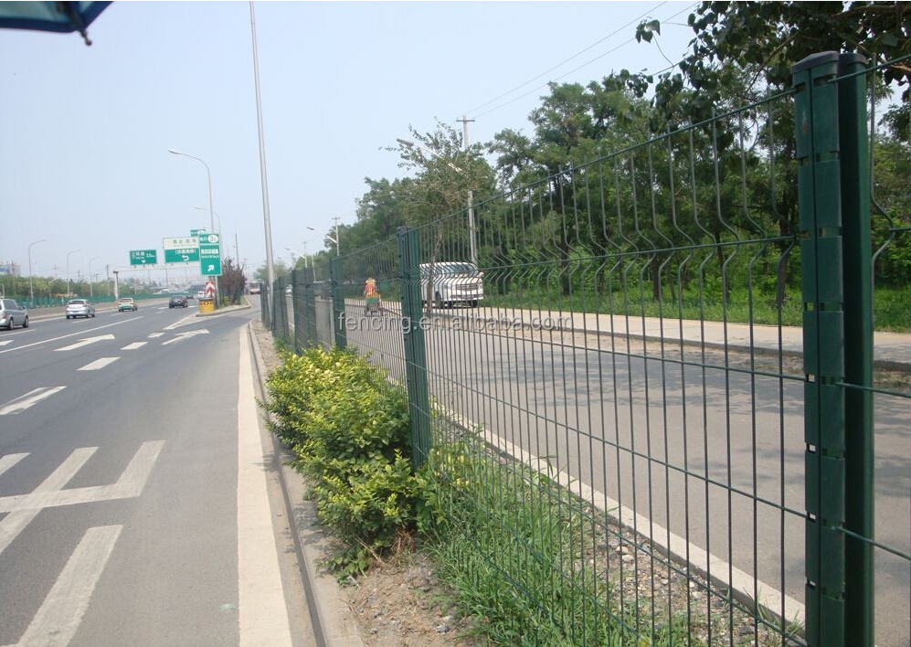 High Quality 3D Curved Wire Mesh Fence for Traffic Barrier