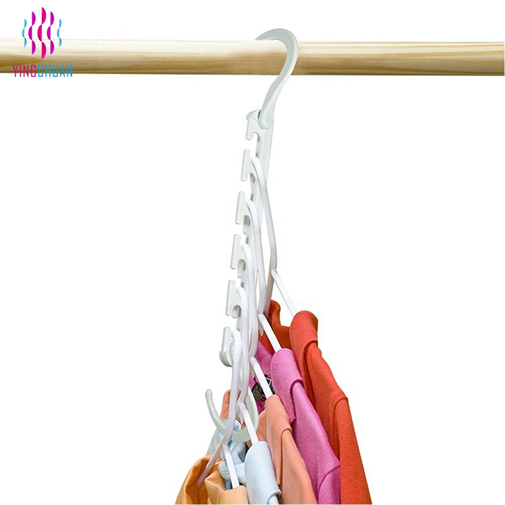 Plastic cascading wonder closet mini magic hangers