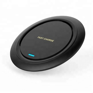 Universal CE FCC ROHS round design wireless battery charger mobile phone charging with charging cable