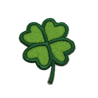 Cheap customized heart shaped embroidery Four-leaf clover patch for garment