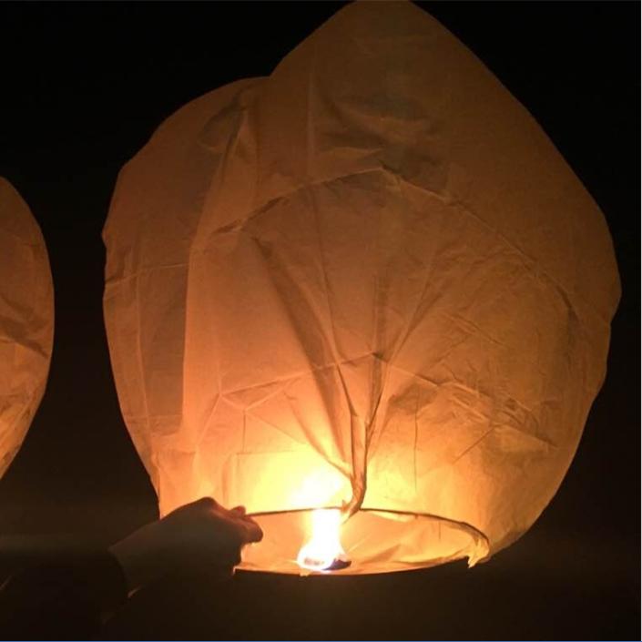 Uonlytech Lot de 12 lanternes chinoises en papier en forme de c/œur 90 * 80cm Papier ignifuge Taille 1
