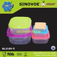 Plastic stackable lunch box with lock