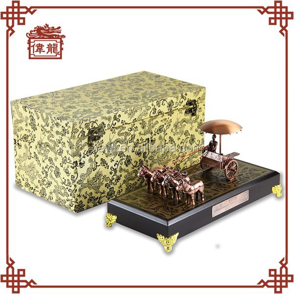 Corporate Anniversary Gift table decoration Chariot and horse