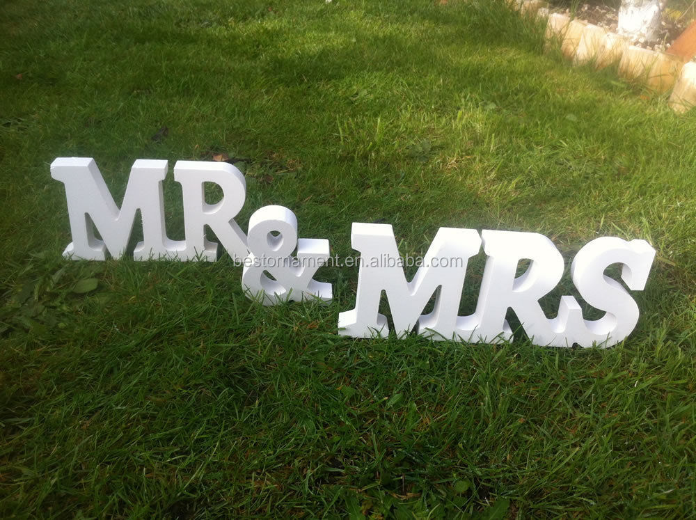 Mr and Mrs Letters Sign