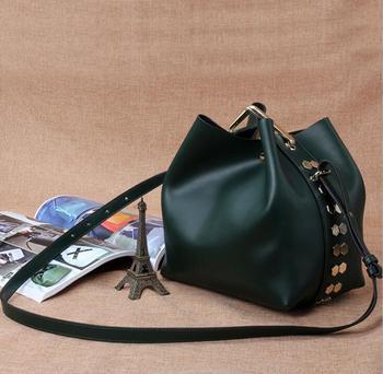 eb407b3f1d78 Роскошные женские кожаные сумки для тела сумки через плечо ручной работы с  заклепками
