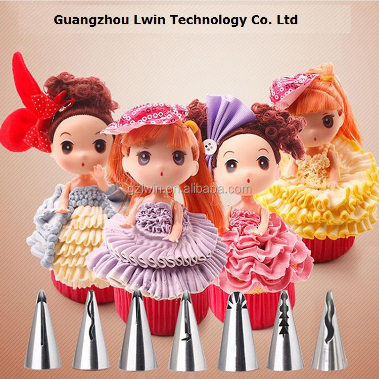 Seamless welding high quality nozzles decorating cakes / plastic holly christmas cake decoration