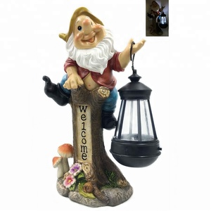 Funny Home Garden Decorative Gnome On Stump Welcome Sign Sculpture With Solar Light