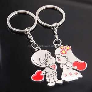 Couple love keychains boy and girl kissing style metal keychain Valentine's day gifts
