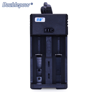China manufacturer 2 slots K65 smart automatic battery charger for 3.7v lithium 18560 26650 rechargeable battery