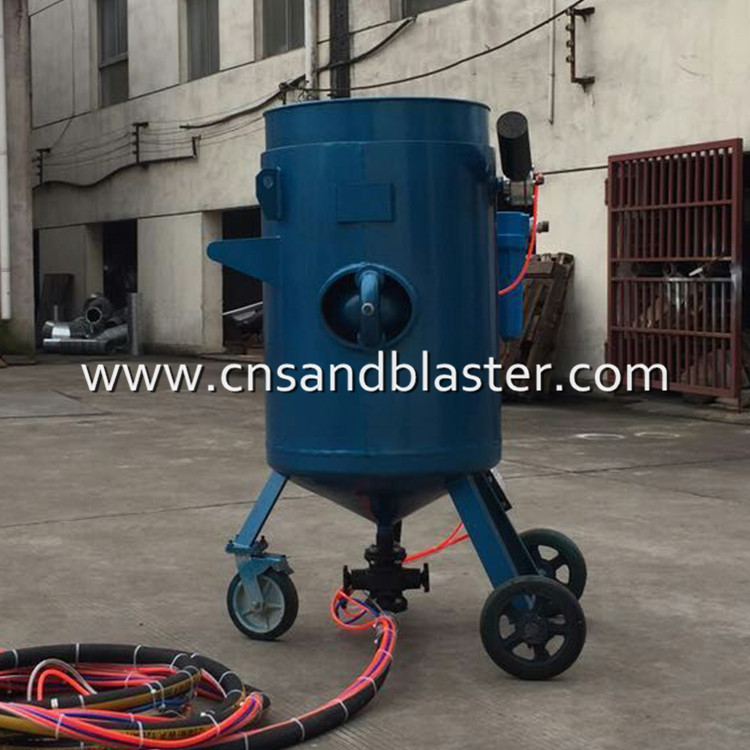 Movable sand blasting pot used wet sandblast equipment