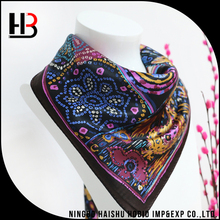 Good quality ladies printed silk scarf with chain pattern