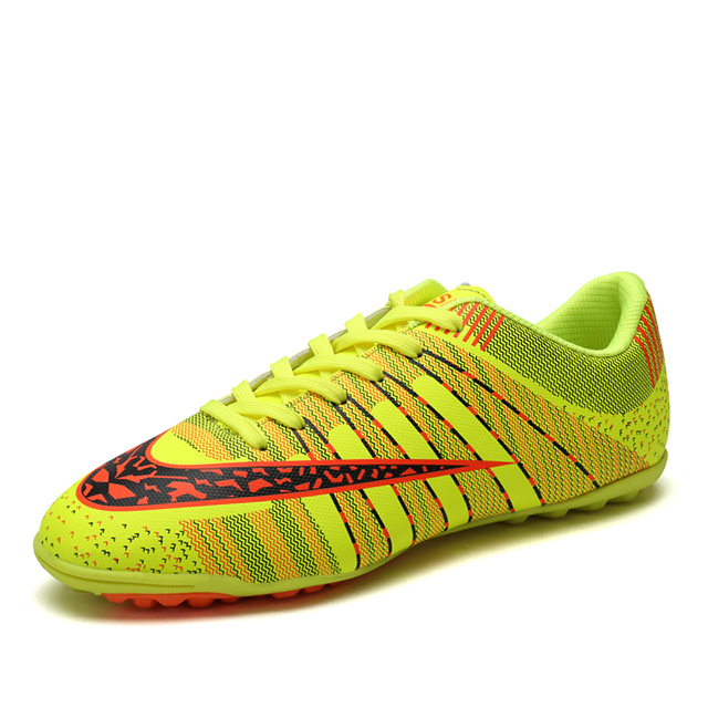 dc0165e86 2018 الأكثر شعبية تصميم أحذية كرة القدم المهنية رخيصة طفل لكرة القدم حذاء  كرة قدم فتاة