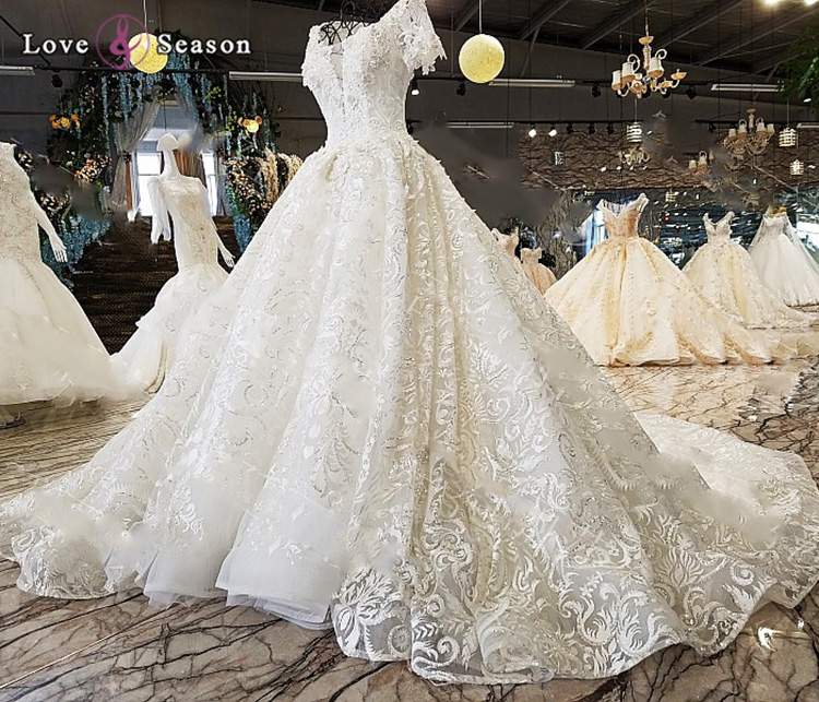 White Wedding Gowns With Lace Sleeves