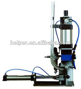 Pneumatic stretching single clipping machine