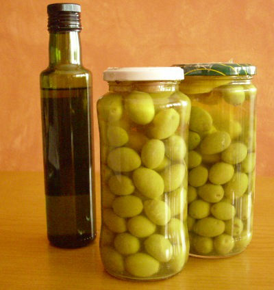 canned green olives and fresh