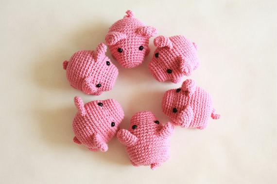 Amigurumi crochet cute pig Pippa the pig by BubblesAndBongo ...   380x570