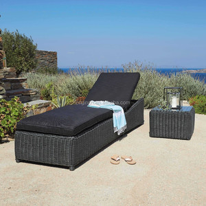 Classic outdoor waterproof rattan woven daybed for pool party beach sun bed
