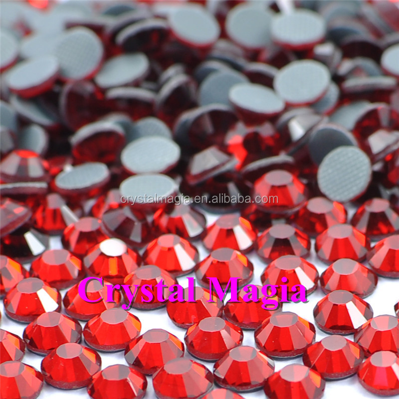 China rhinestone factory red siam color hotfix garment heat transfer crystal