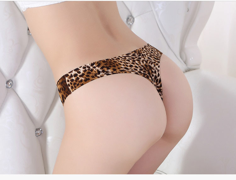 анкеты видео женщина в леопардовых трусах фото видео покурили
