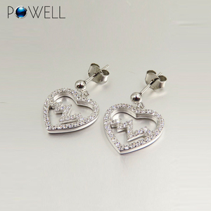 China bulk sale customized silver jewelry crystal heart stud earrings