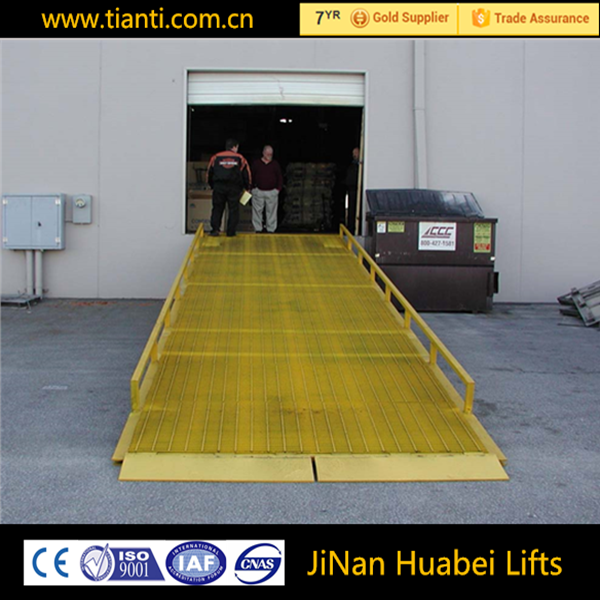 Utility trailer ramp mobile container ramp