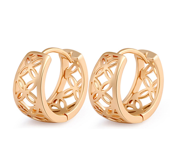 China Hollowed 18k Real Gold Plated Hoop Earrings New 2017 Latest Earring Designs Dubai