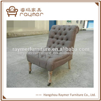 French Style Upholstered Buttoned Sofa Chair With Wheels Antique Chaise Lounge  Chair