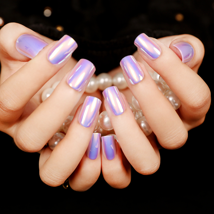 Mirrored Nail Polish The Hottest Manicure Trend To Try Right Now