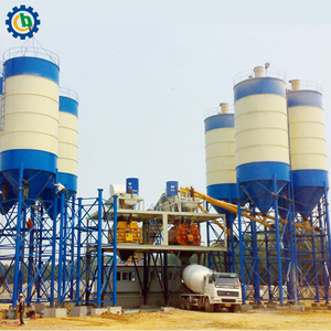 Fly ash cement storage silo used in concrete project